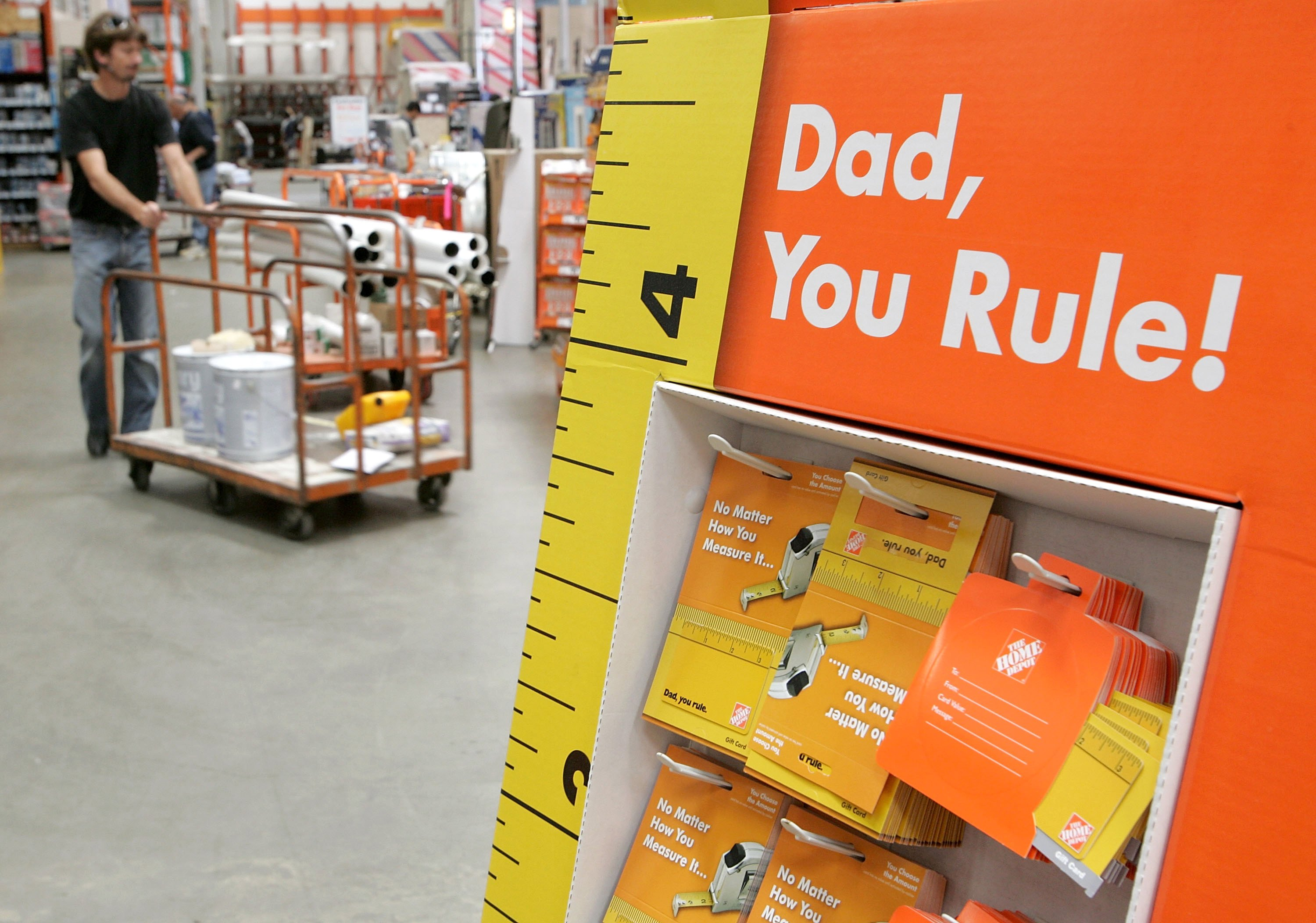 Retailers Seek To Boost Fathers Day Sales