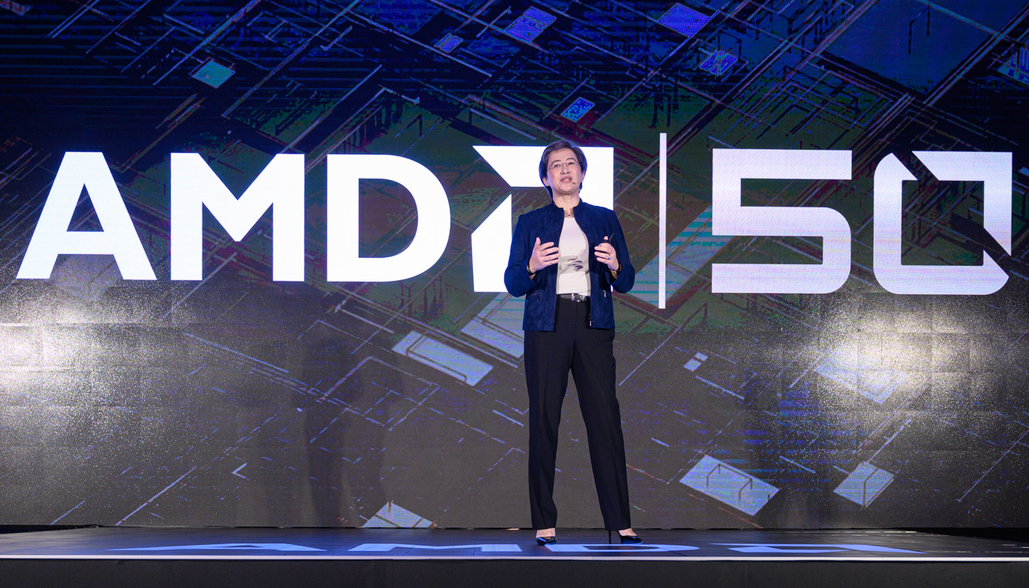 AMD CEO Lisa Su unveiled the third generation of her company's Ryzen desktop CPUs at the Computex show in Taiwan.