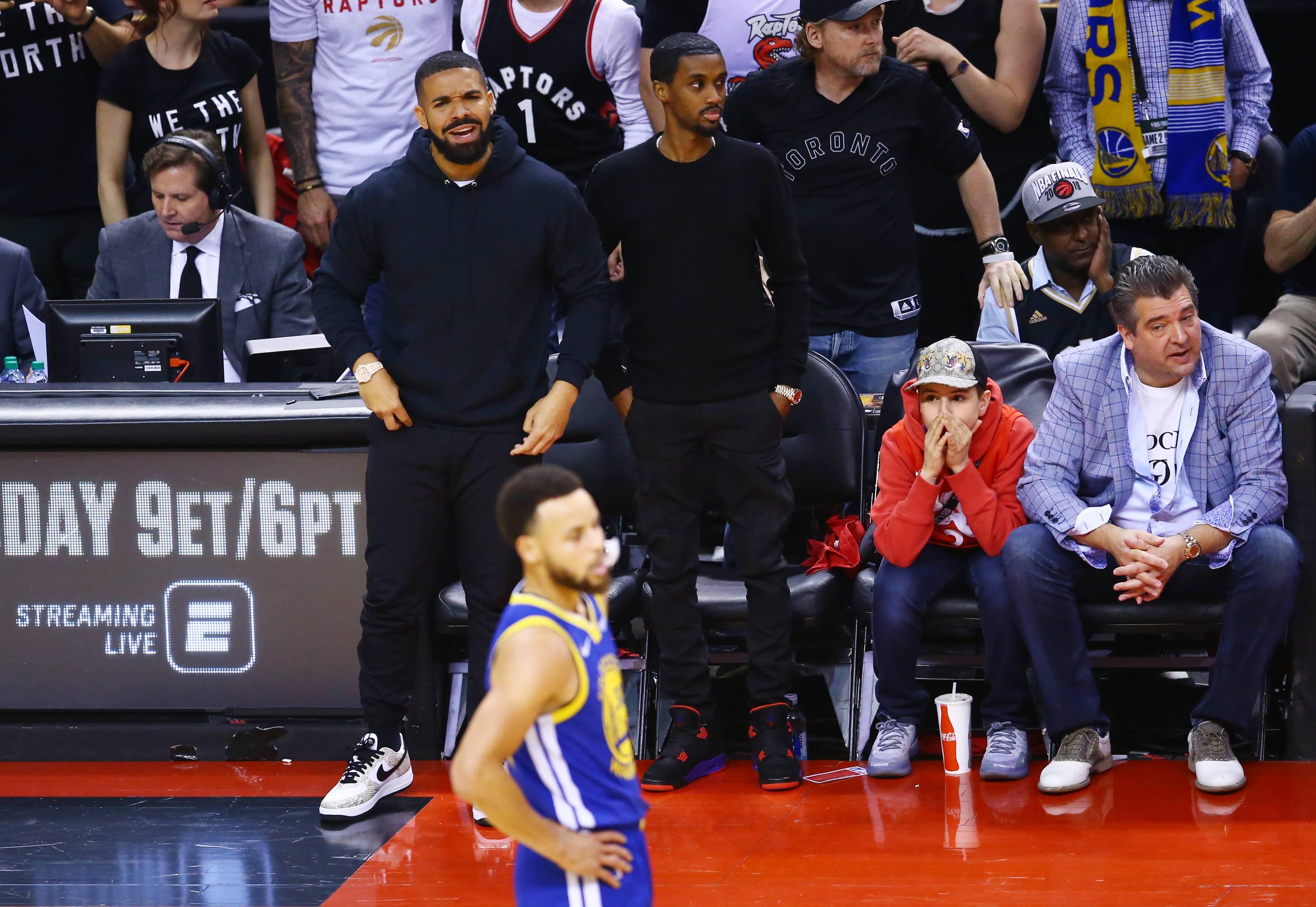 The Drake Effect Brilliant Brand Ambassador Or Annoying Nba Superfan Fortune