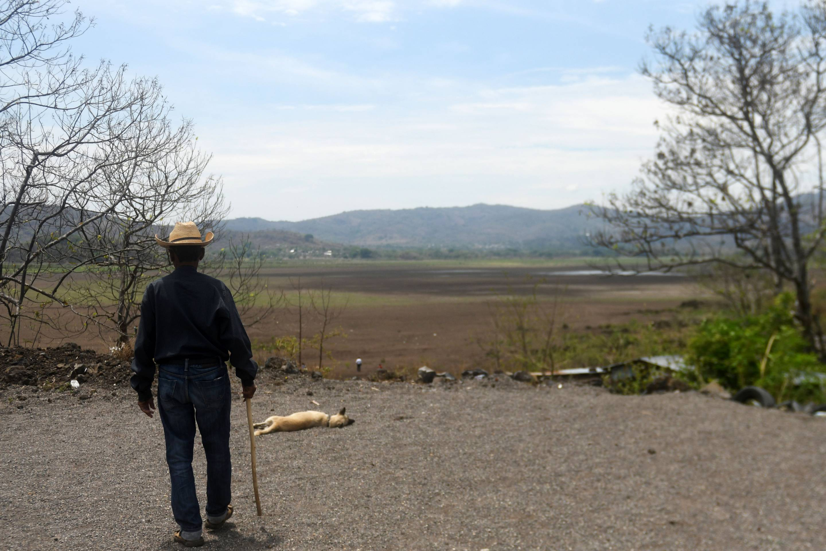 Southeast of Guatemala City, Lake Atescatempa has dried up due to drought and high temperatures.