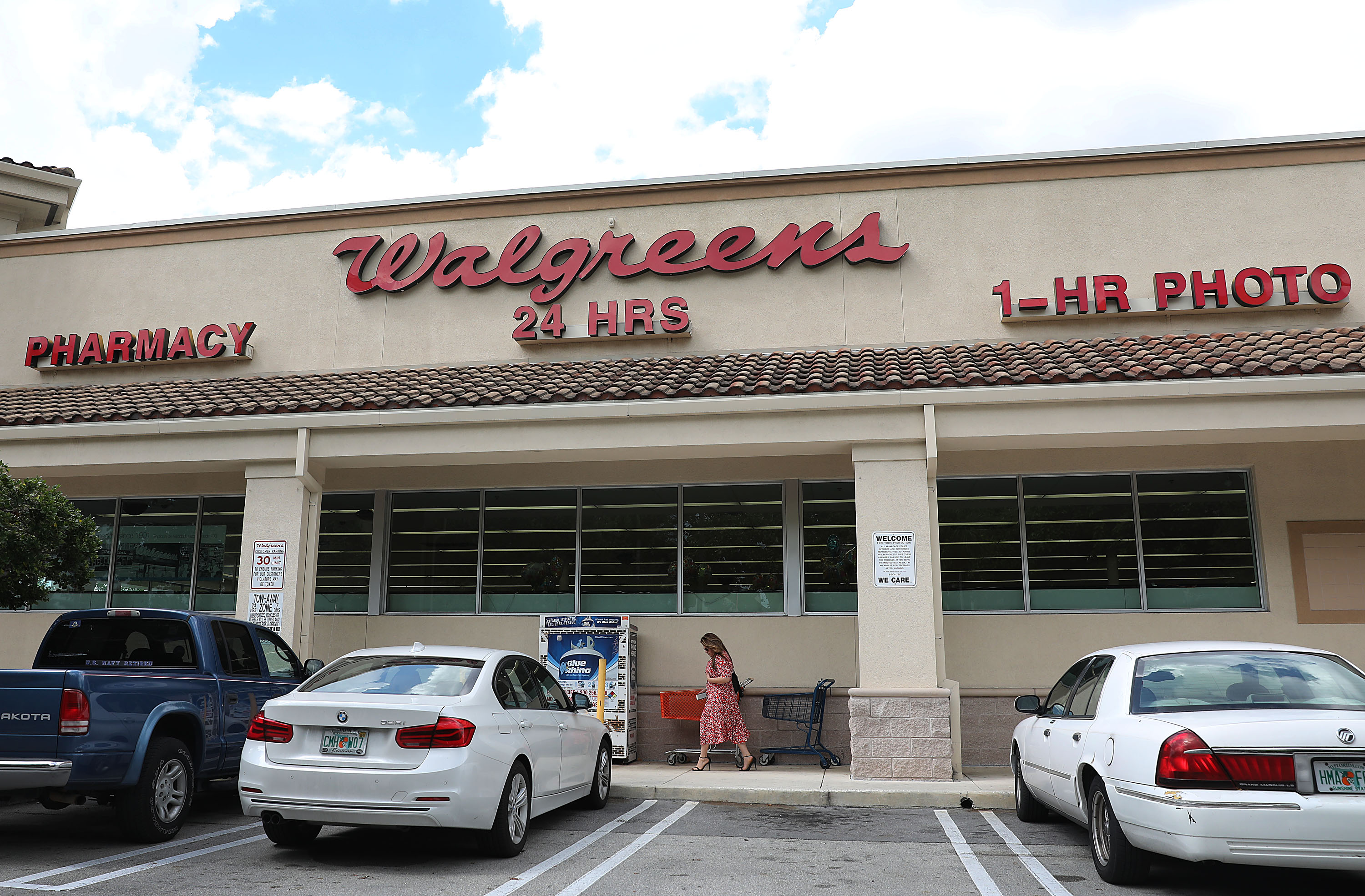 Walgreens Stocks Drop After Pharmacy Chain Posts Worst Earnings Quarter Since 2014