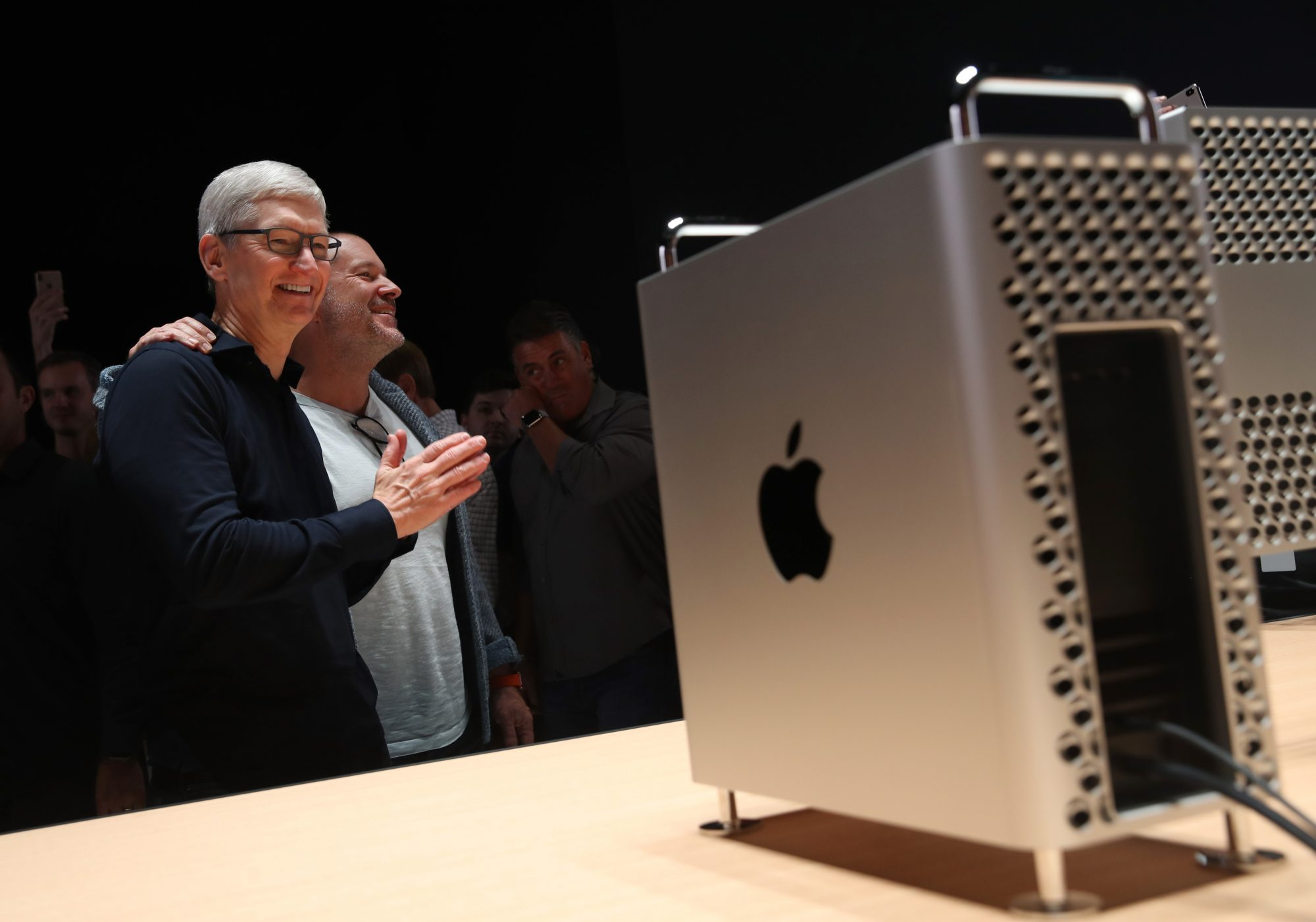 apple chief designer jony ive with ceo tim cook