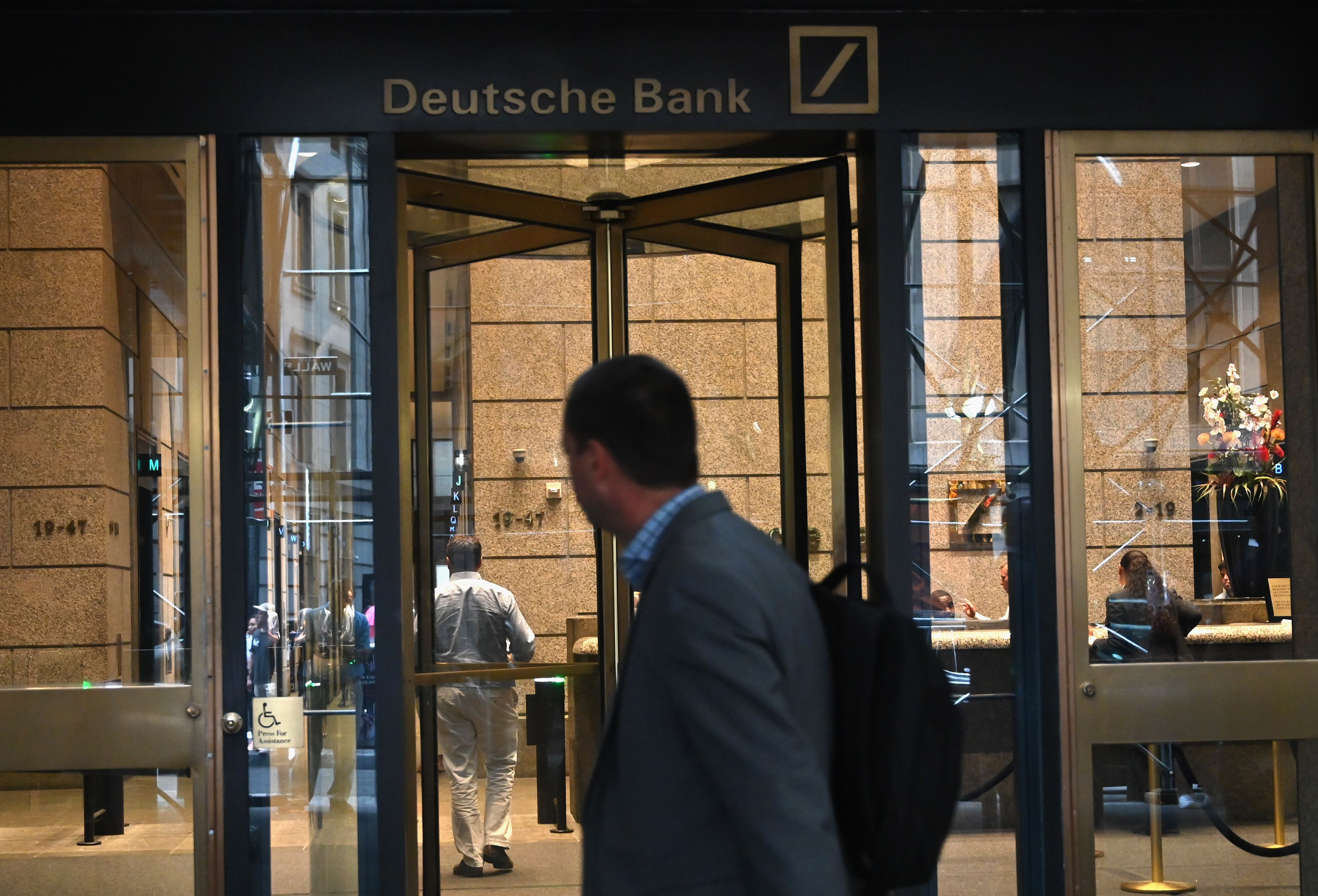 US-GERMANY-LAYOFFS-DEUTSCHEBANK