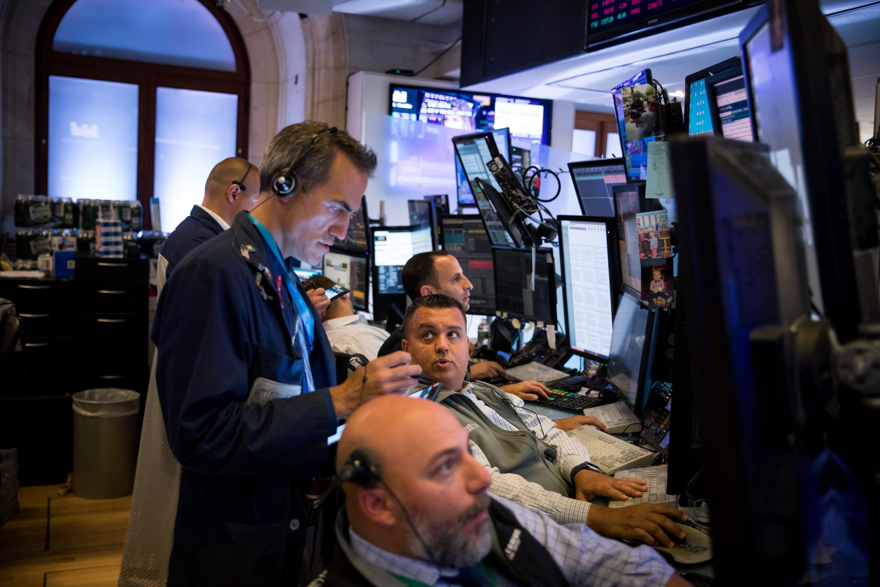 Traders at the New York Stock Exchang
