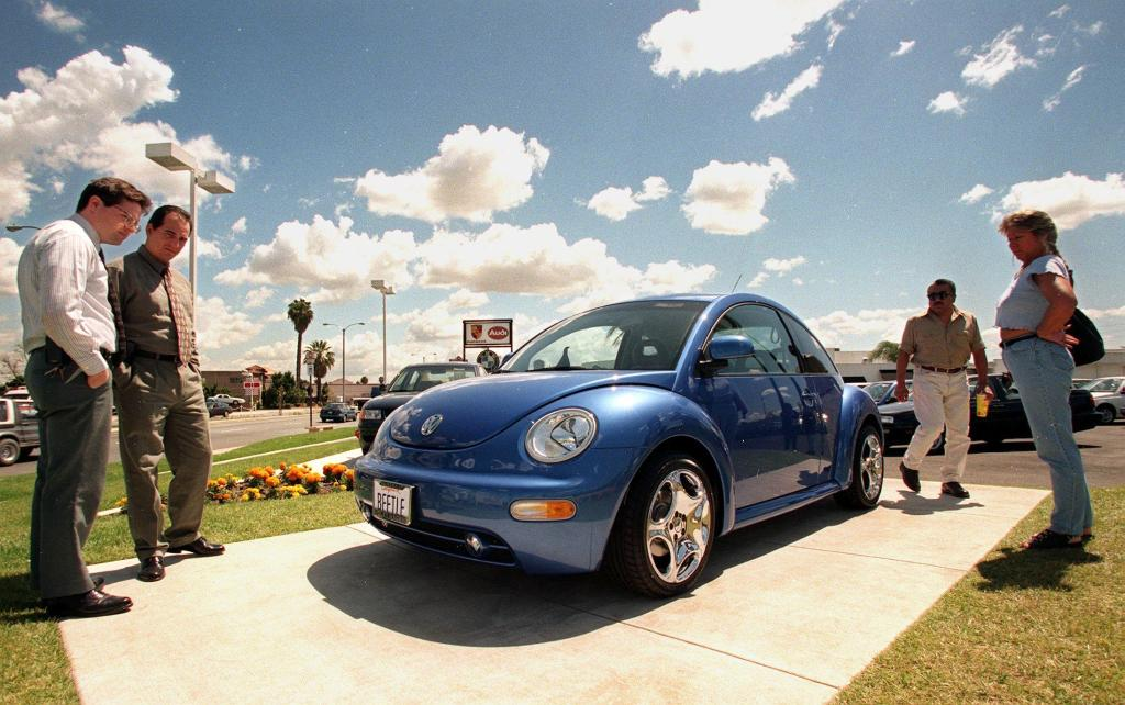 As Volkswagen Ends Beetle Production, a Final Photo Farewell