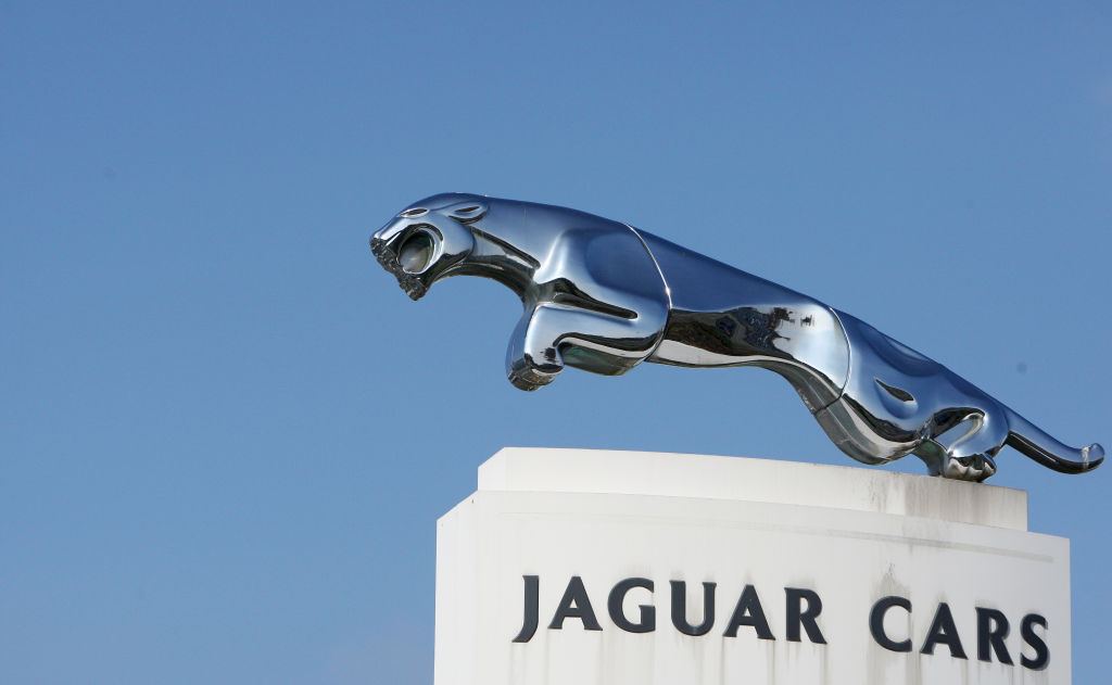 Maker of Jaguar and Land Rover Plans to Build New Range of Electric Cars in the U.K.
