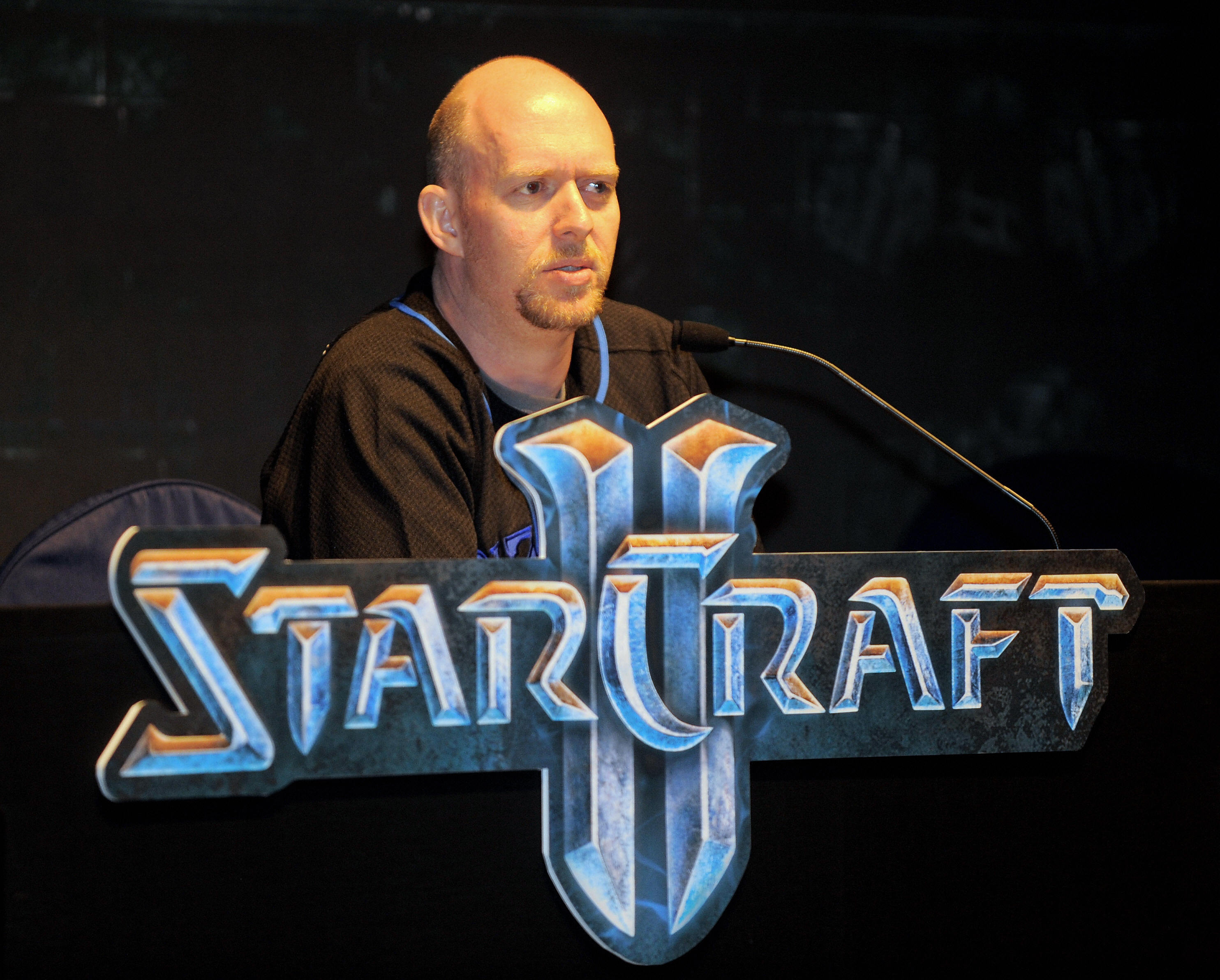 Frank Pearce left the company after 28 years, following co-founder Michael Morhaime, the president of Blizzard who departed in October.