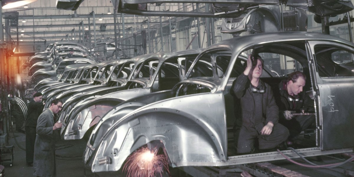 As Volkswagen Ends Beetle Production, a Final Photo Farewell to the Beloved 'Bug'