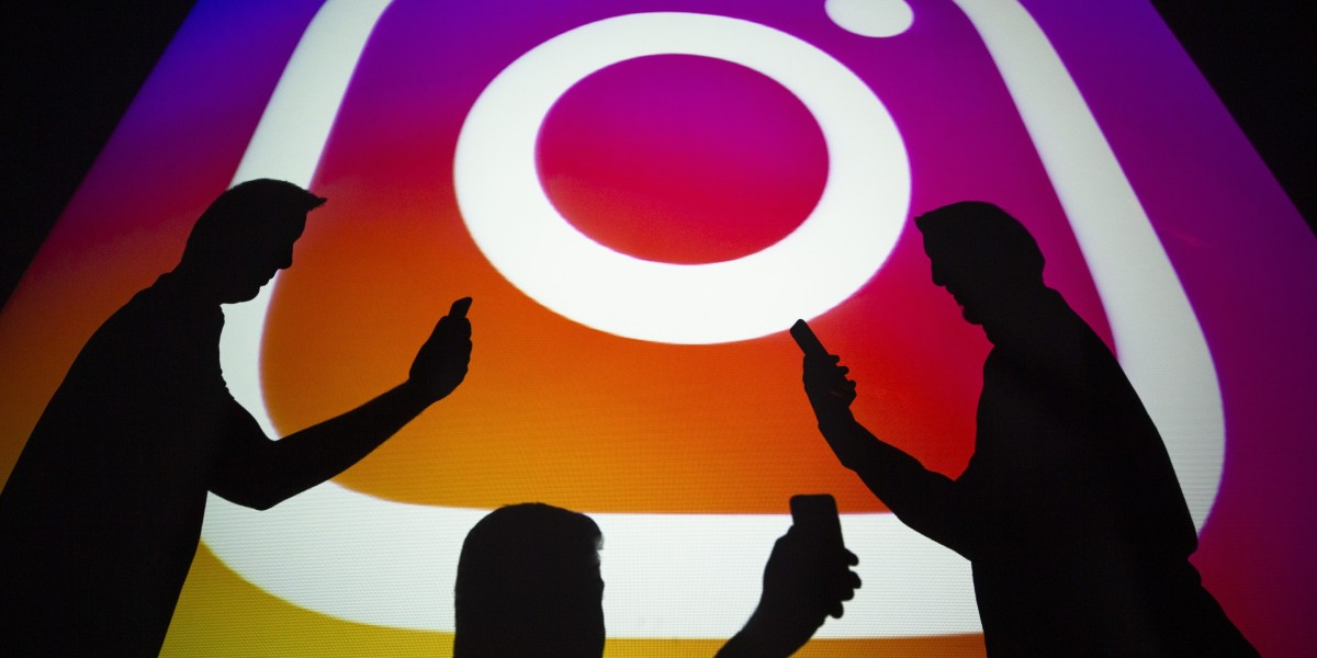 Instagram Privacy Policy Hoax Shared by Rick Perry, Megan Rapinoe, Usher, and Julia Roberts