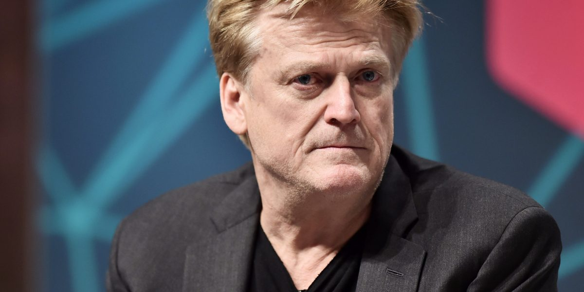 Overstock Shares Tumble 36% After CEO's Comment on the 'Deep State' and the Clintons