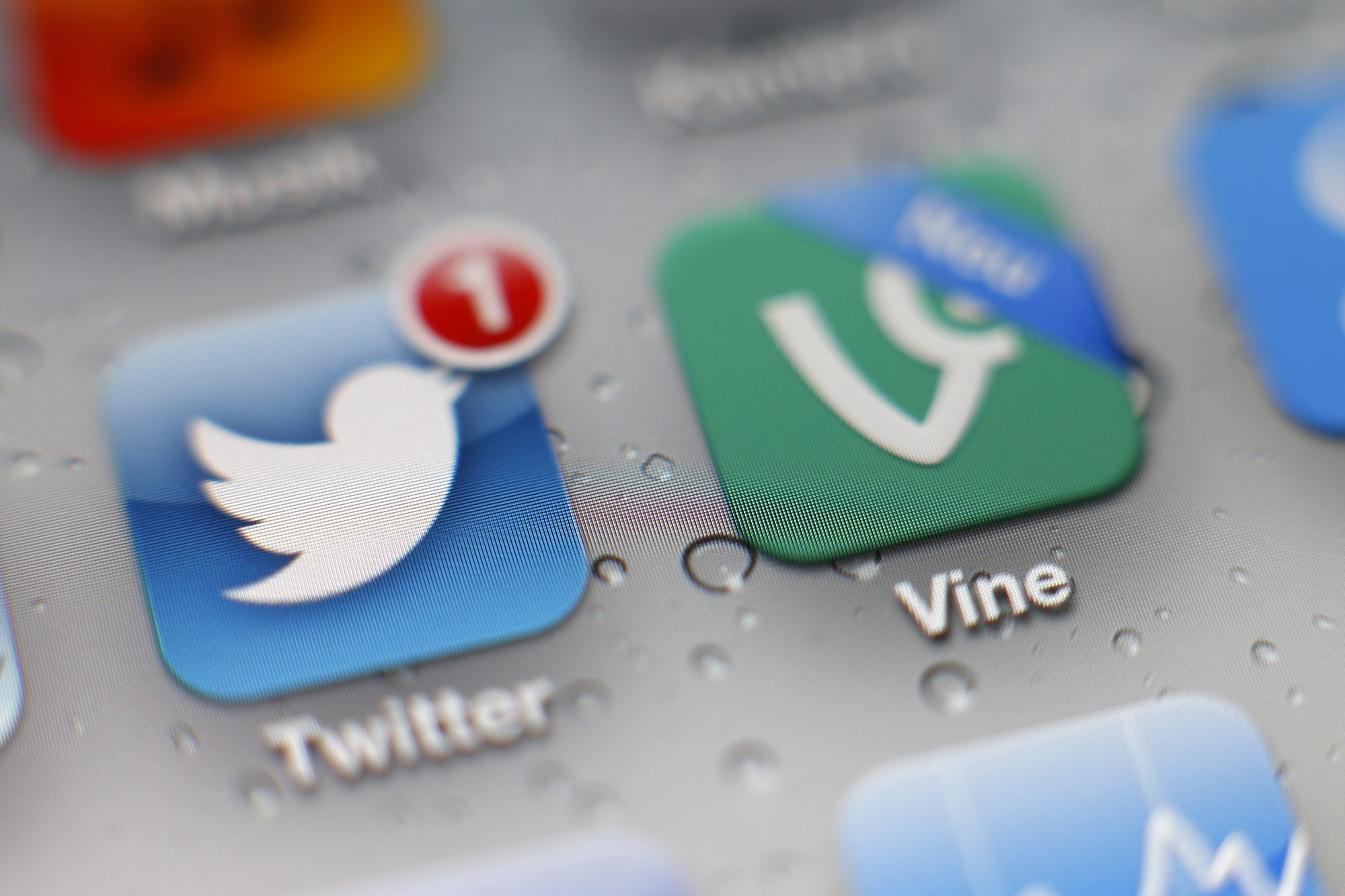twitter and its old video app vine