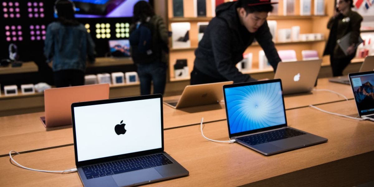 GettyImages 686433678 - More Airlines Are Banning Some Apple Laptops from Checked Luggage
