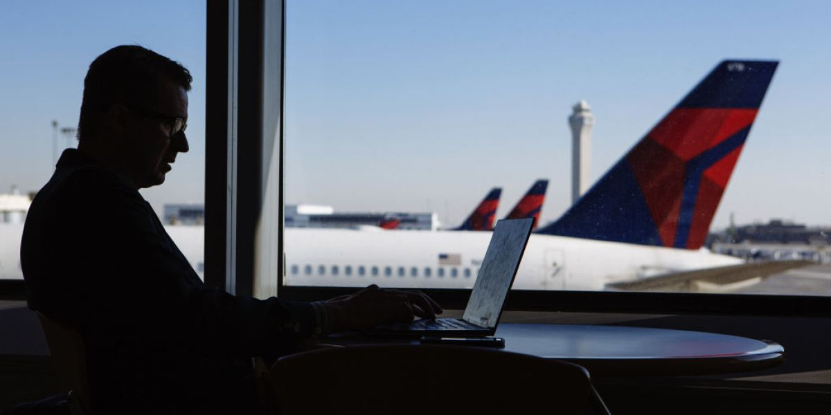 Some Apple Laptops Will Be Banned From Flying, FAA Says