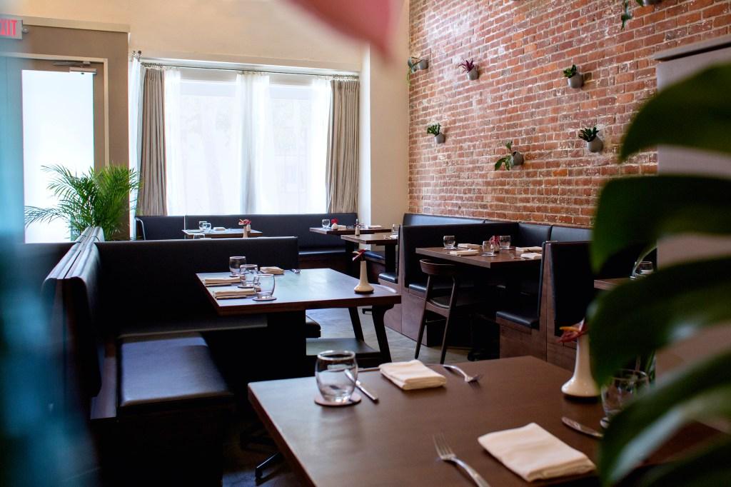 Honolulu Restaurant-SENIA- Interior-Ryan Yamamoto - Middle Management