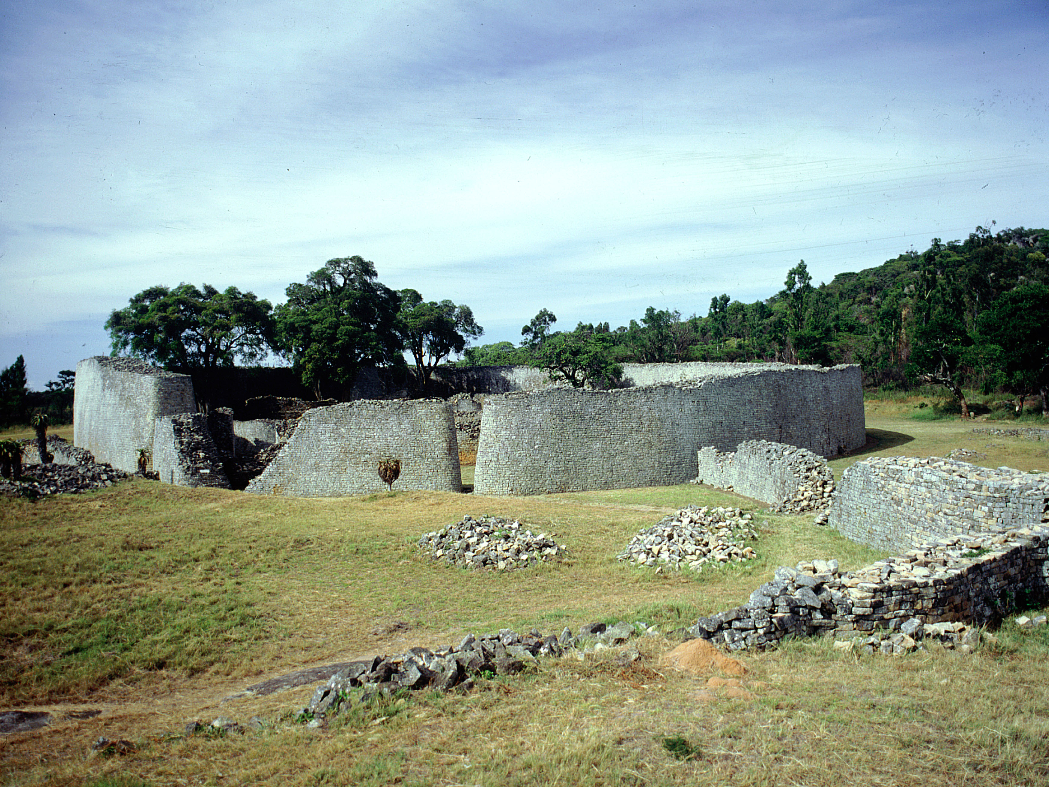 The fortification wall of great Zimbabwe