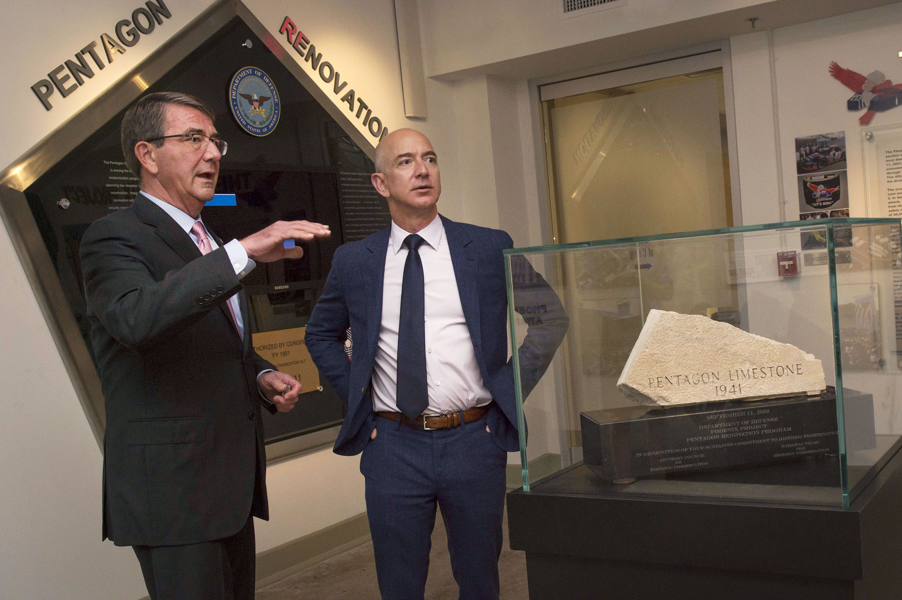 jeff bezos-ash carter-pentagon tour