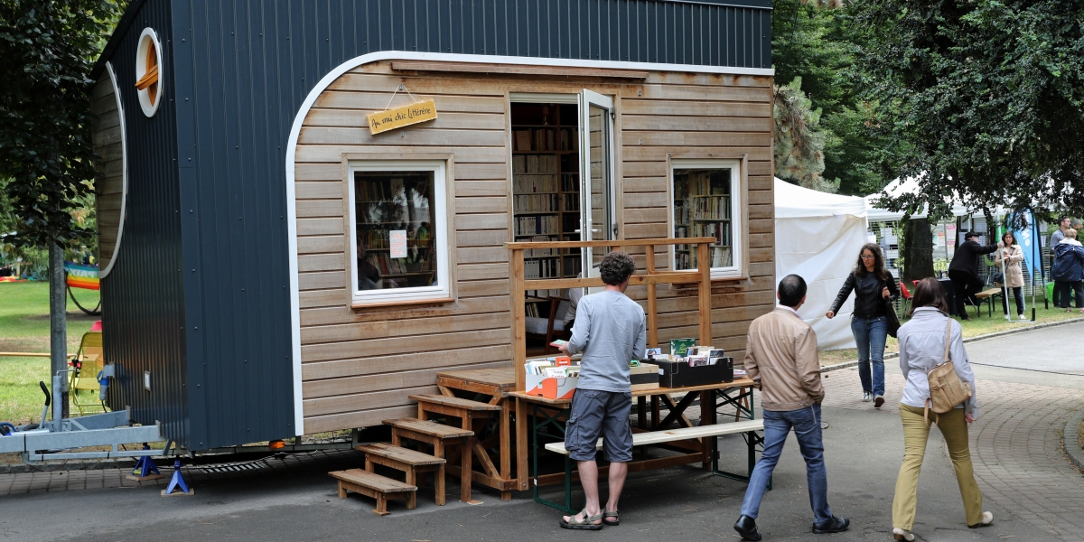 This Tiny Bookstore on Wheels Is Currently Toting 3,000 Books Around the French Countryside
