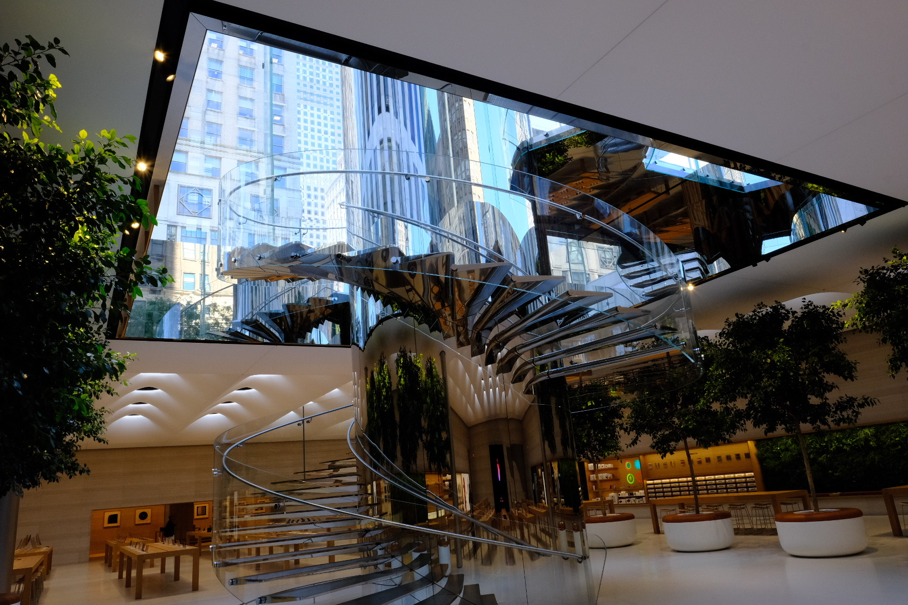 apple's renovated fifth avenue store