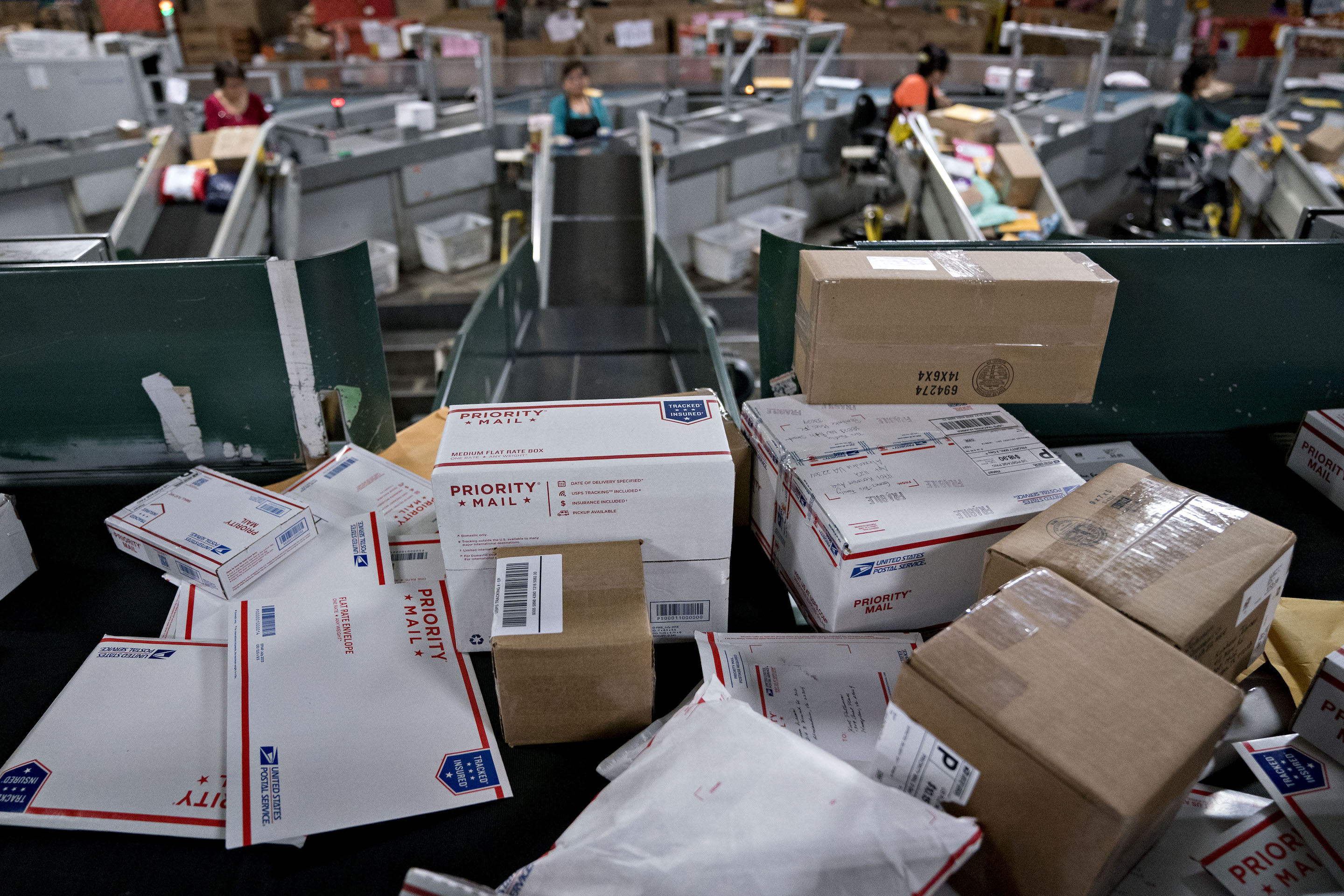 Operations At A U.S. Postal Service Processing And Distribution Center