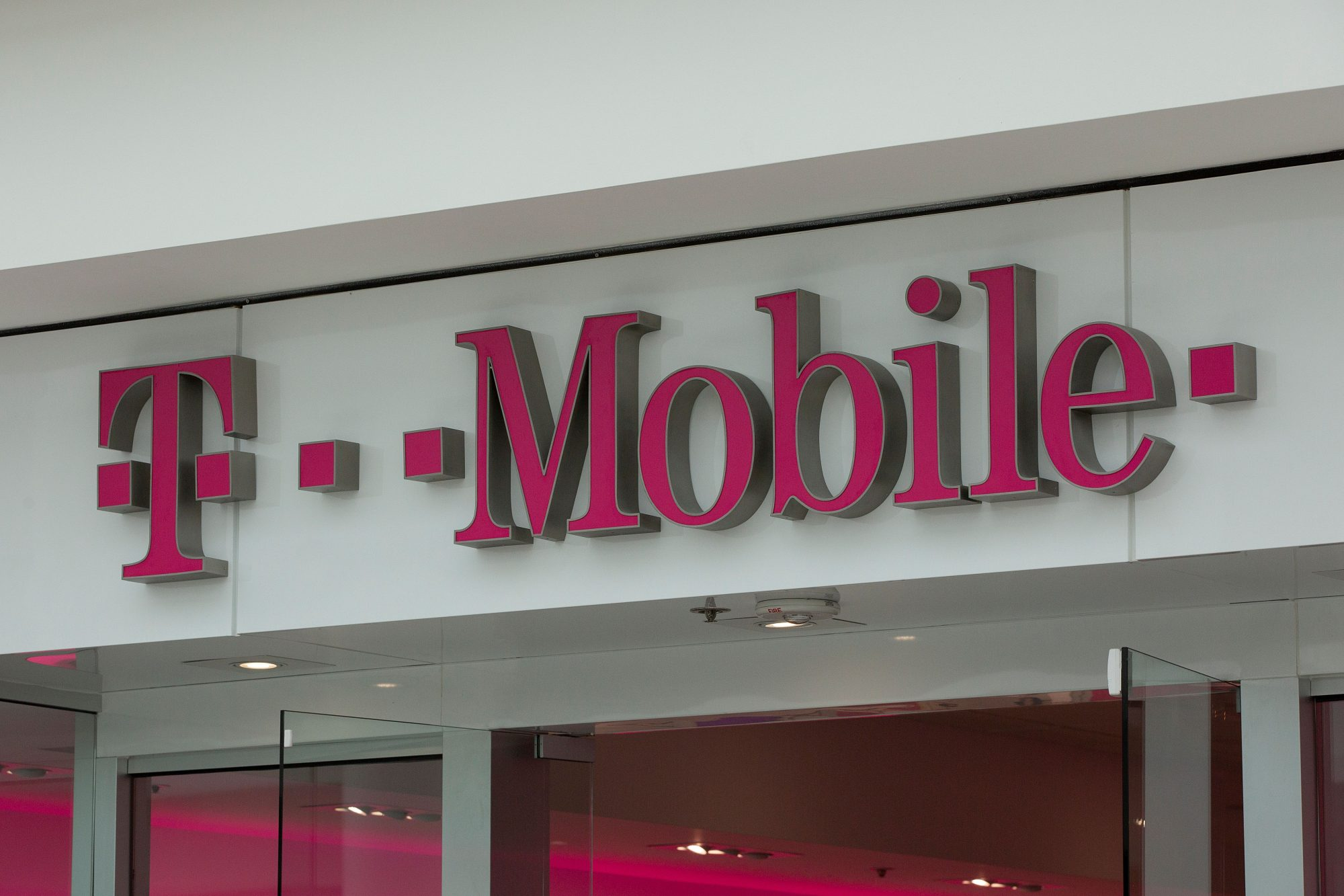 a t-mobile wireless store