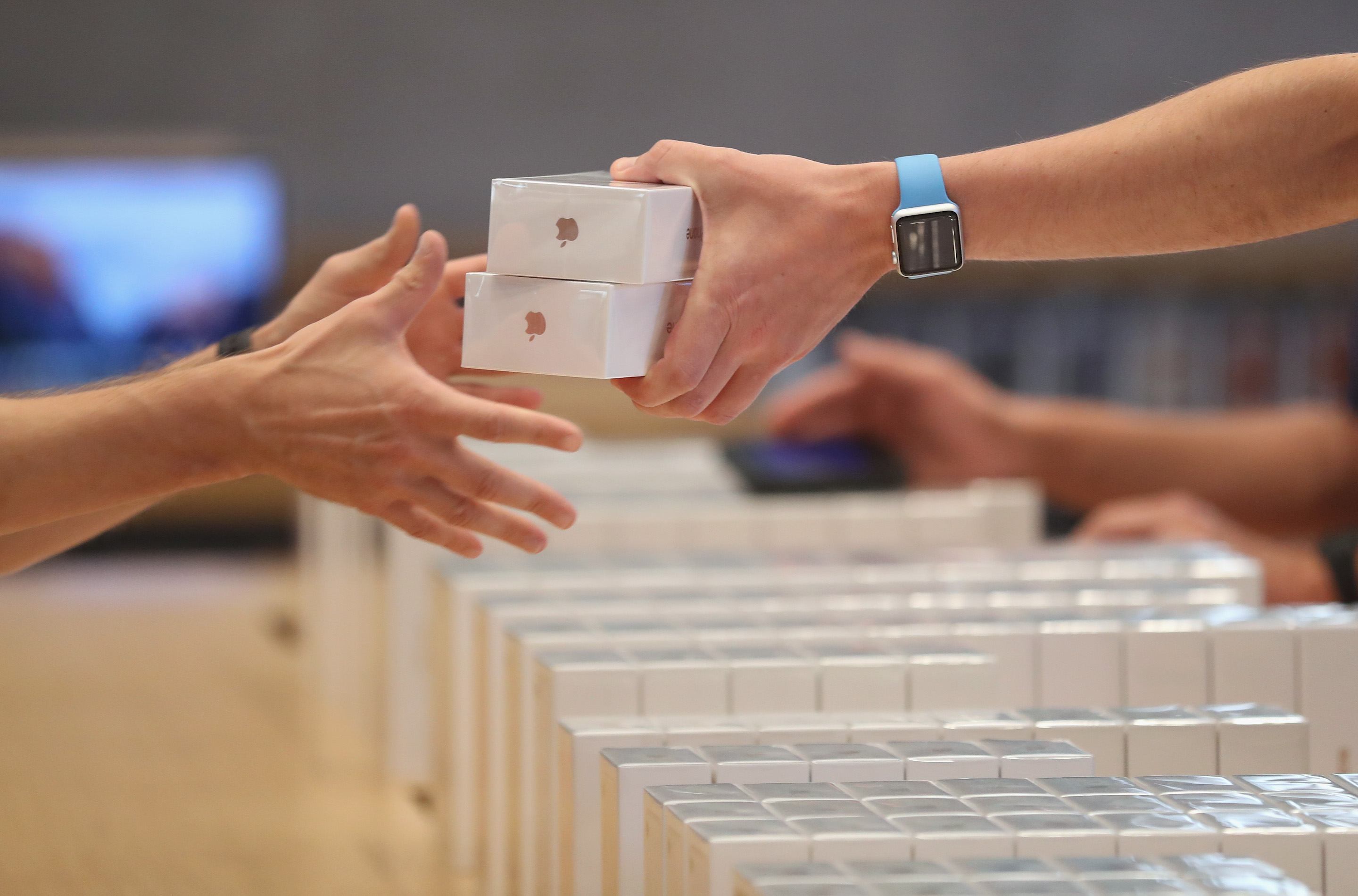 Apple's iPhone Upgrade Program is billed as a cheaper and easier way to buy new iPhones. What do they numbers say?