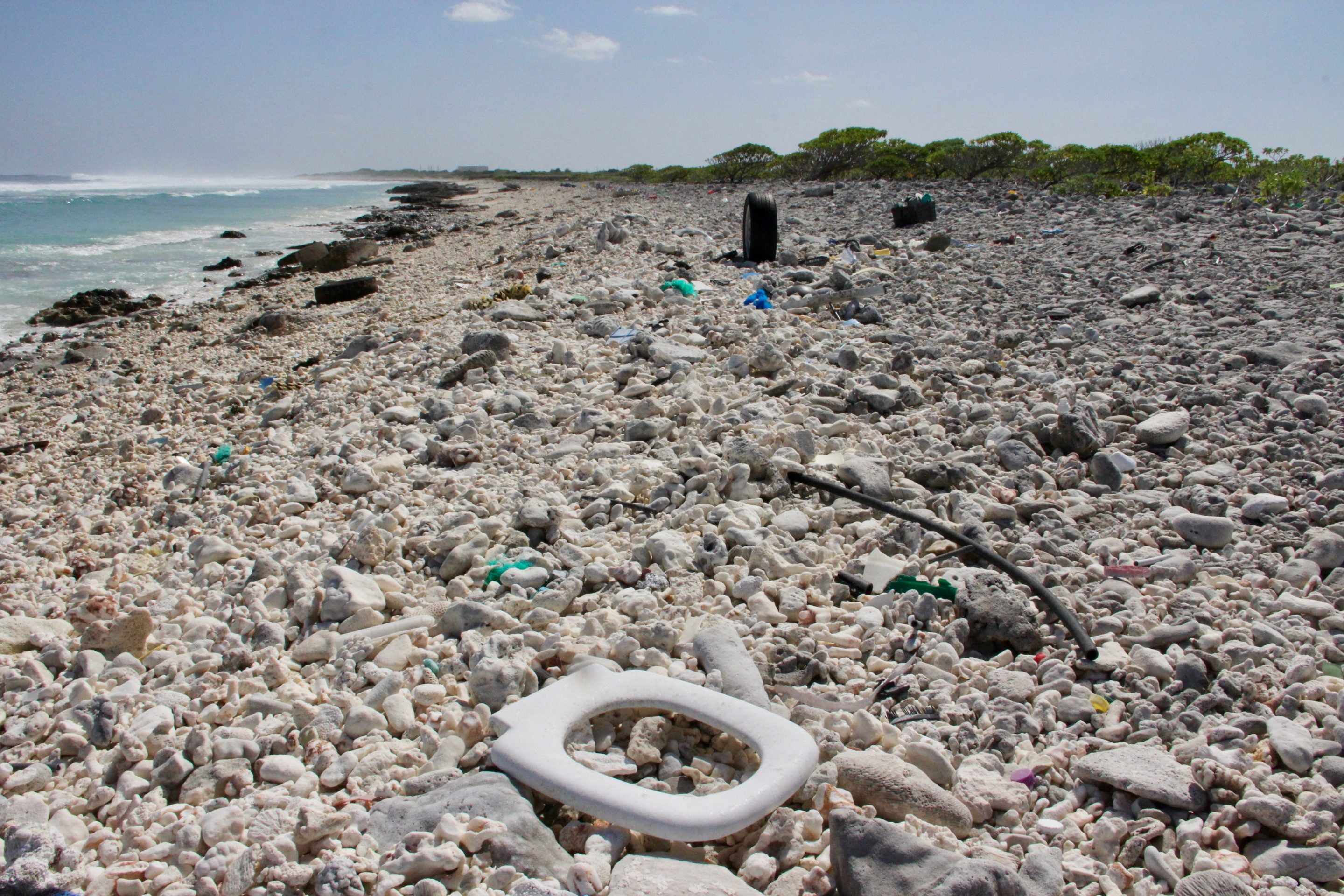trash on wake island in pacific