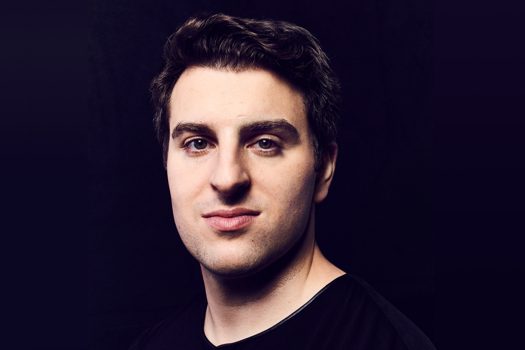 Airbnb Animal Experiences-Brian Chesky CEO