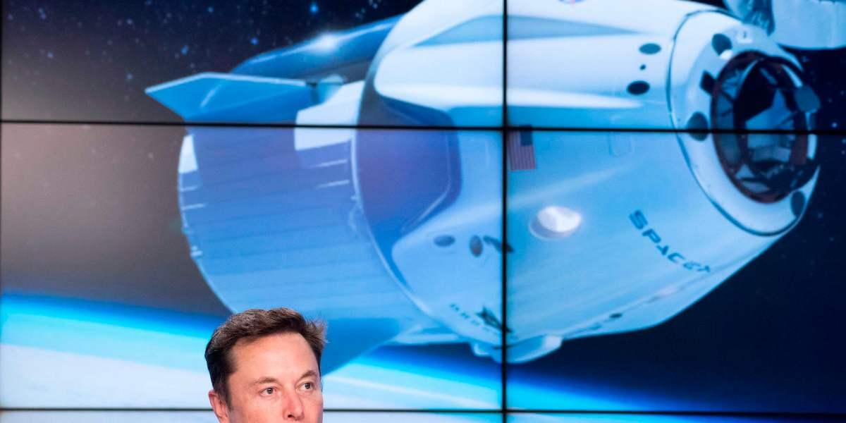 'Whoa, It Worked!!' Elon Musk Sends a Tweet Through Space Using Starlink, His Developing Satellite Internet Service