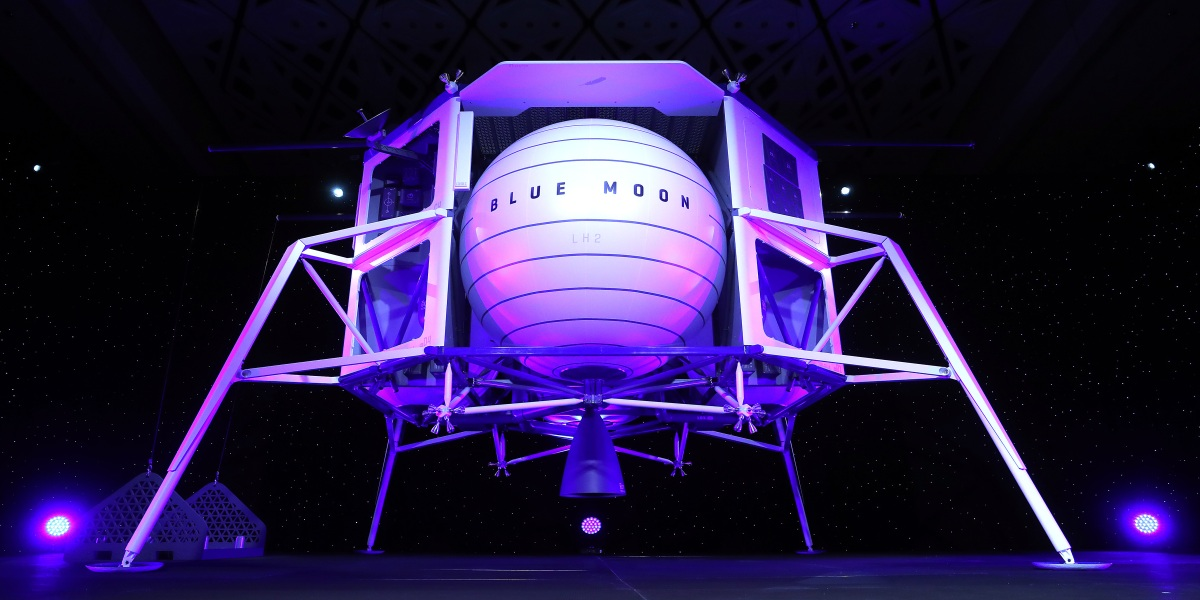 Blue Origin will 'Probably Not' Launch Crewed Space Mission in 2019, CEO Says