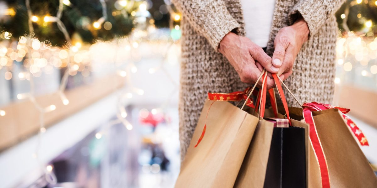 2019 Holiday Shoppers Will Prioritize Family, the Earth, and Gift Cards too, Says Annual Survey