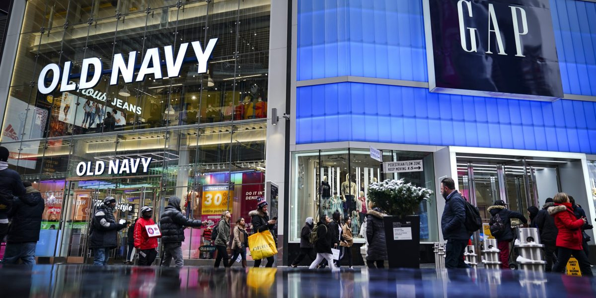 In Wake of Gap CEO's Exit, Investors Are Questioning the Plan to Spin Off Old Navy