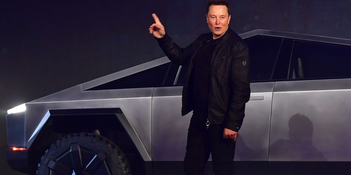 Tesla and Ford Post Dueling Tweets Pitting the Cybertruck and the F-150