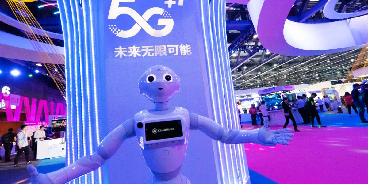 Are 5G-Powered Cloud Robots the Future of Work? For One Chinese Company, They Are