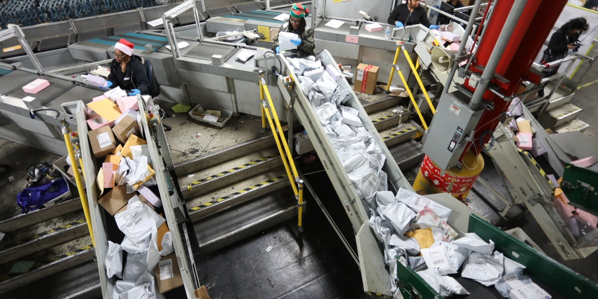 USPS Could Privatize As Early As Next Year