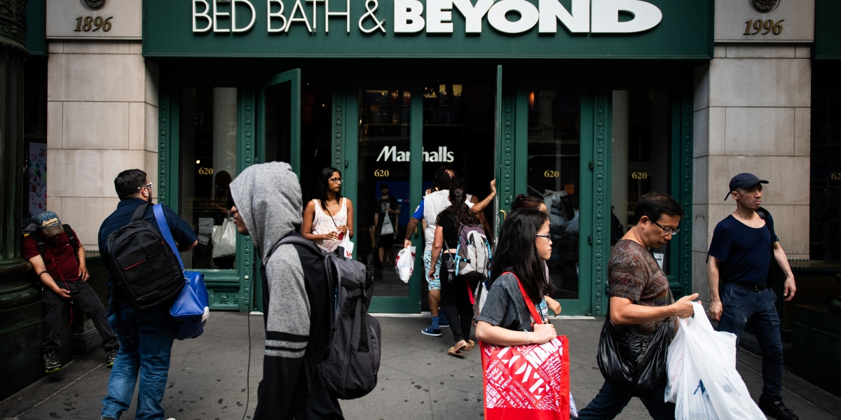 Bed Bath & Beyond Stock Plunges on What CEO Calls 'Unsatisfactory' Fiscal Third Quarter Results