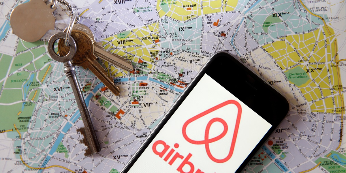 The latest company to show big losses is — surprise — Airbnb