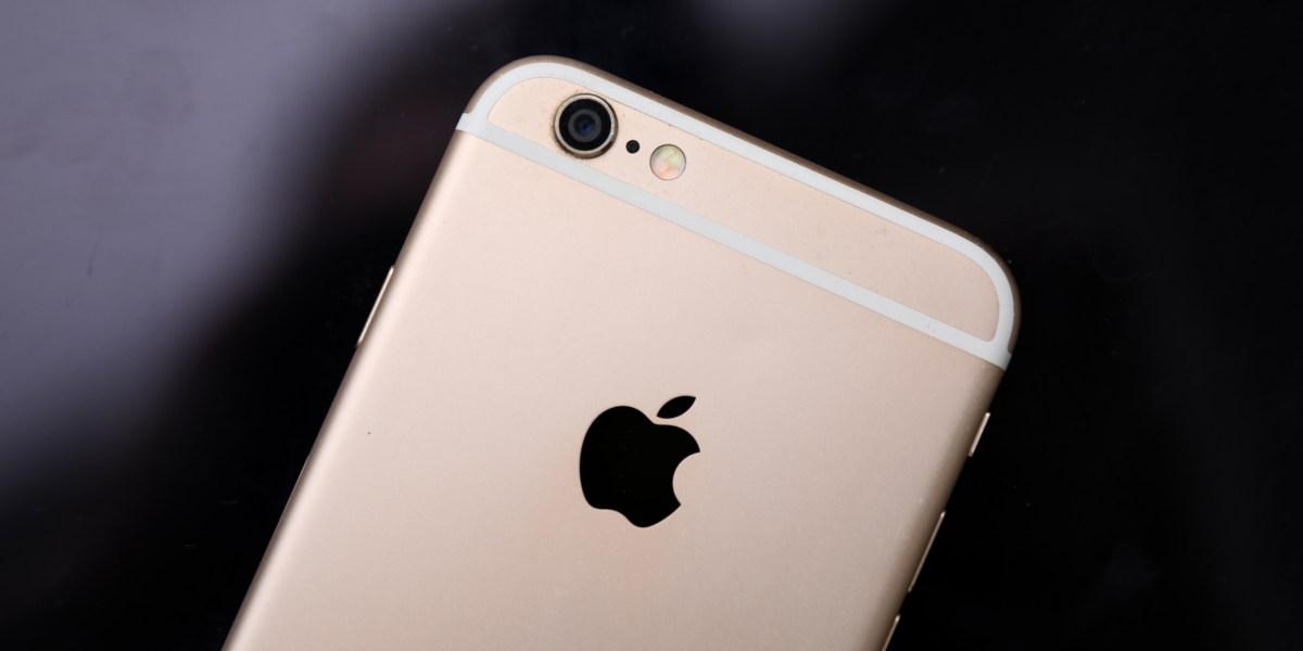 GettyImages 1193277105 - Trump Pressures Apple to Unlock Florida Attacker's iPhones