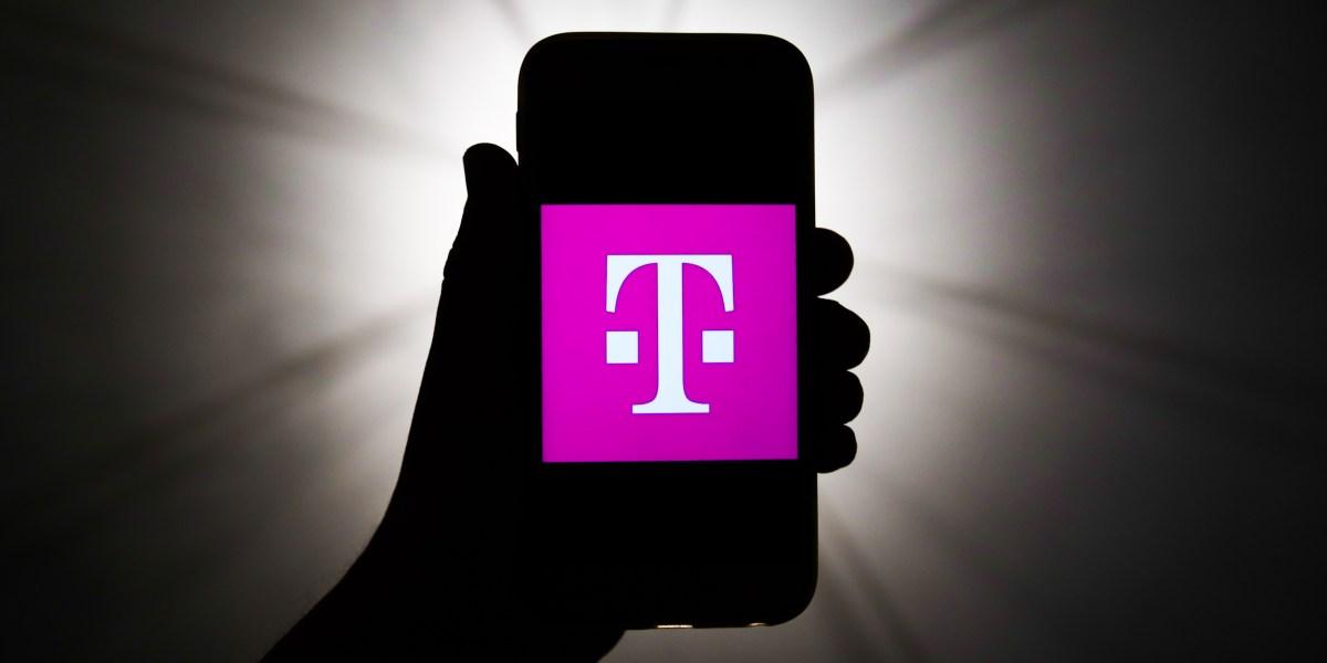 T-Mobile offering $15 phone plan during coronavirus pandemic - Fortune