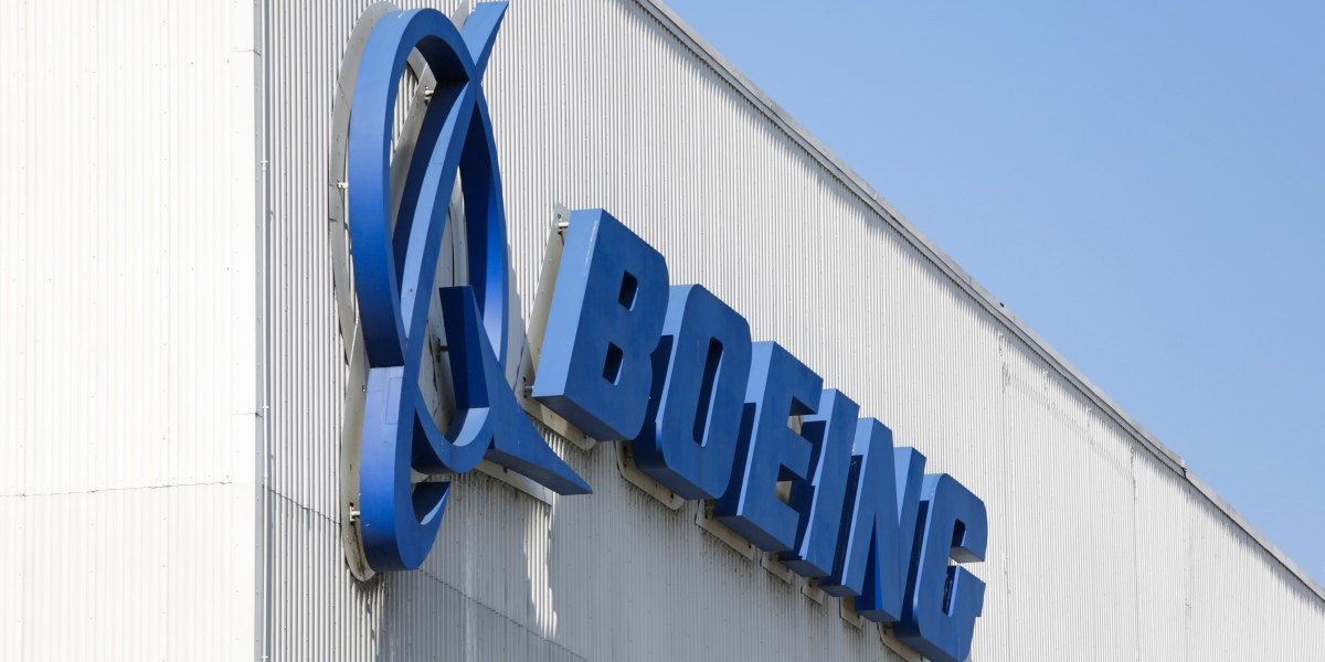Boeing to cut staff by 10% after reporting $641 million loss