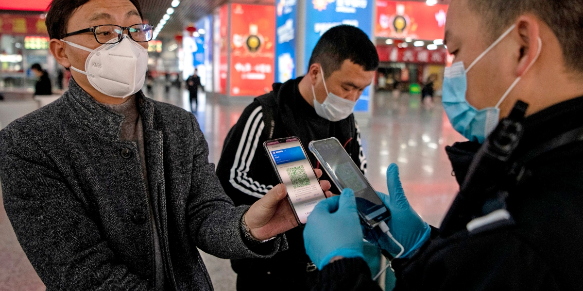 China's coronavirus-tracking apps use color codes to rate people's COVID-19  level, need for quarantine | Fortune