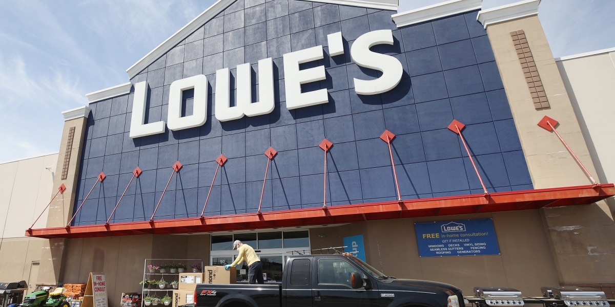 GettyImages 1226077776 - How Lowe's is finally emerging as a strong e-commerce player