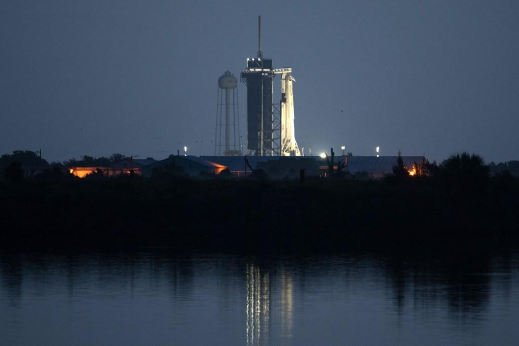 SpaceX-NASA-Launch-01.