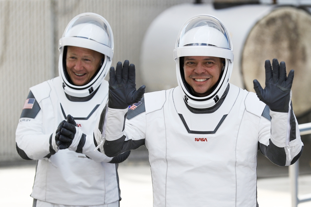 SpaceX-NASA-Launch-02