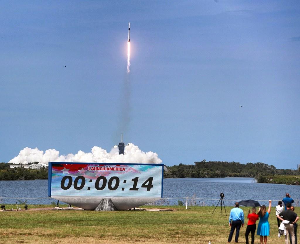 SpaceX-NASA-Launch-09