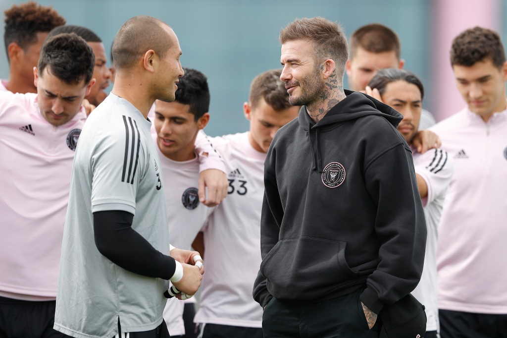 David Beckham talks to Inter Miami CF goalie Luis Robles on February 25, 2020 in Fort Lauderdale, Florida.