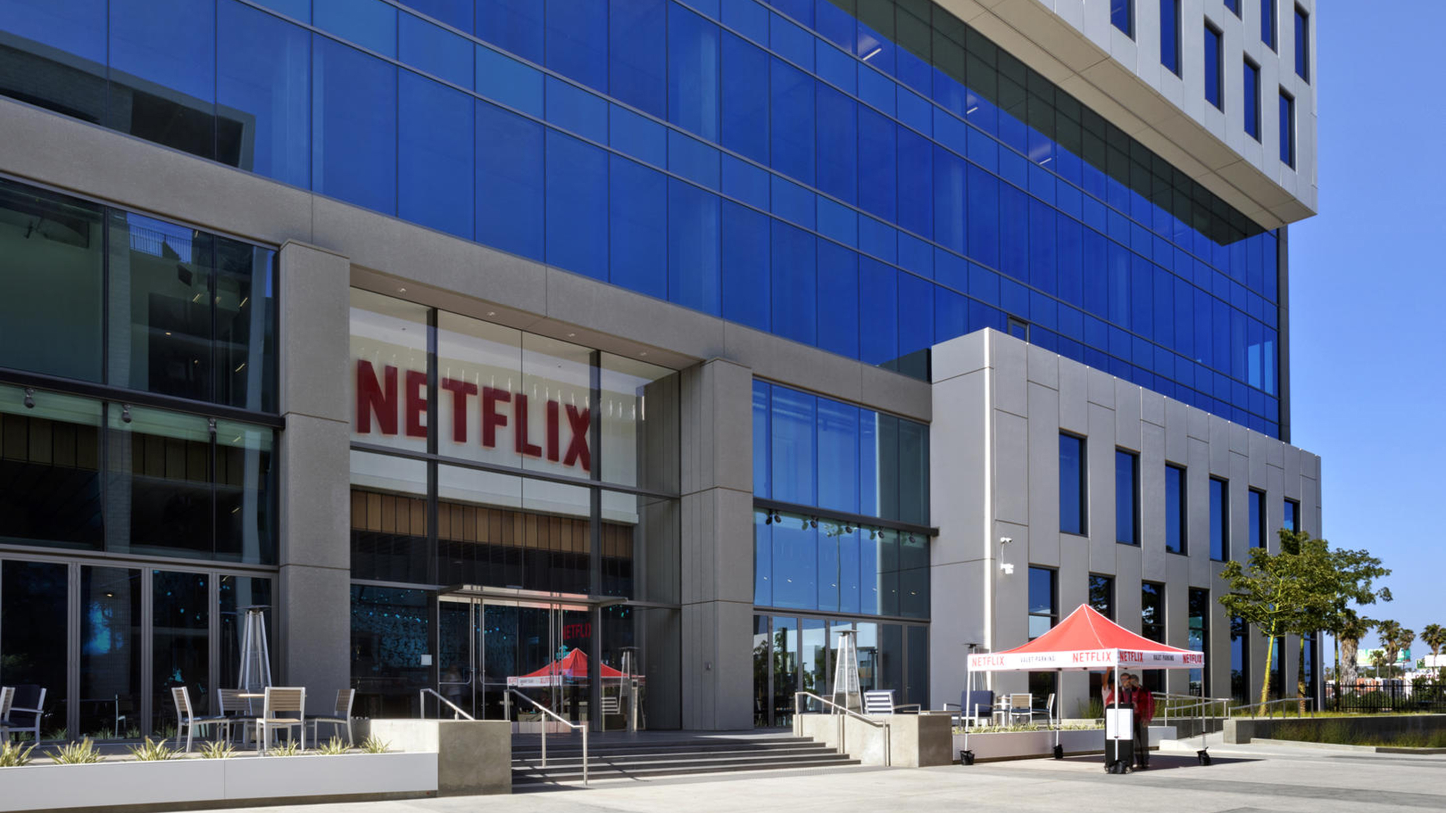 Netflix will move $100 million into Black-owned banks thumbnail