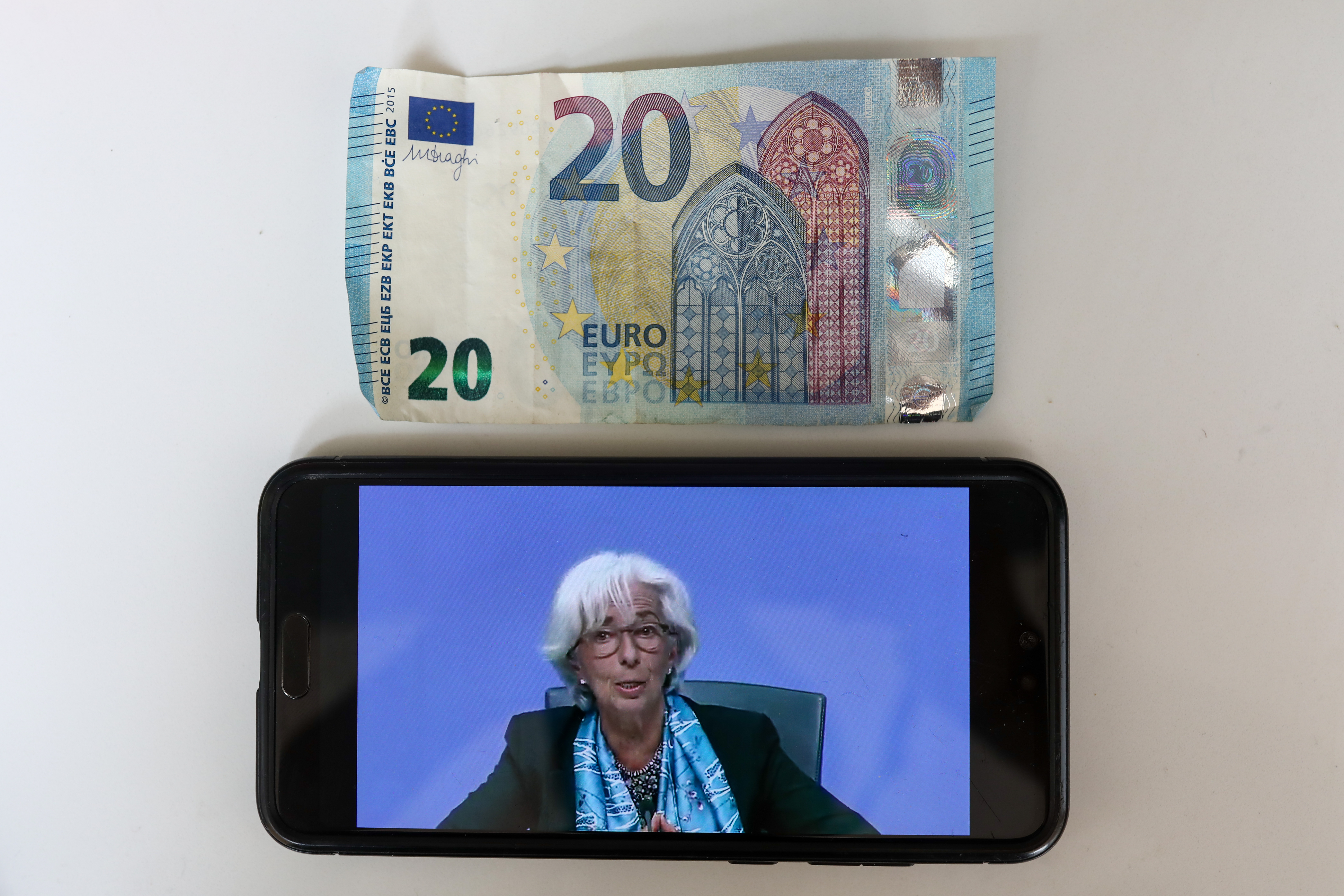 'Action had to be taken:' ECB stuns the markets with a new €600 billion spending plan thumbnail