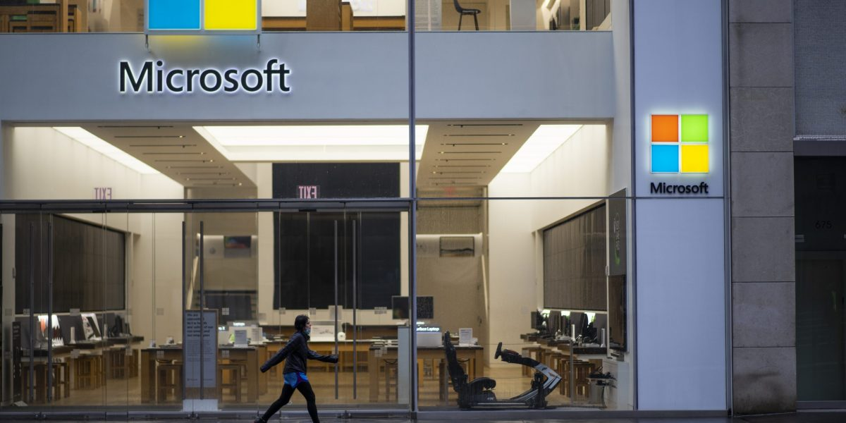 GettyImages 1222052952 e1593520519721 - Why Microsoft is bailing on retail