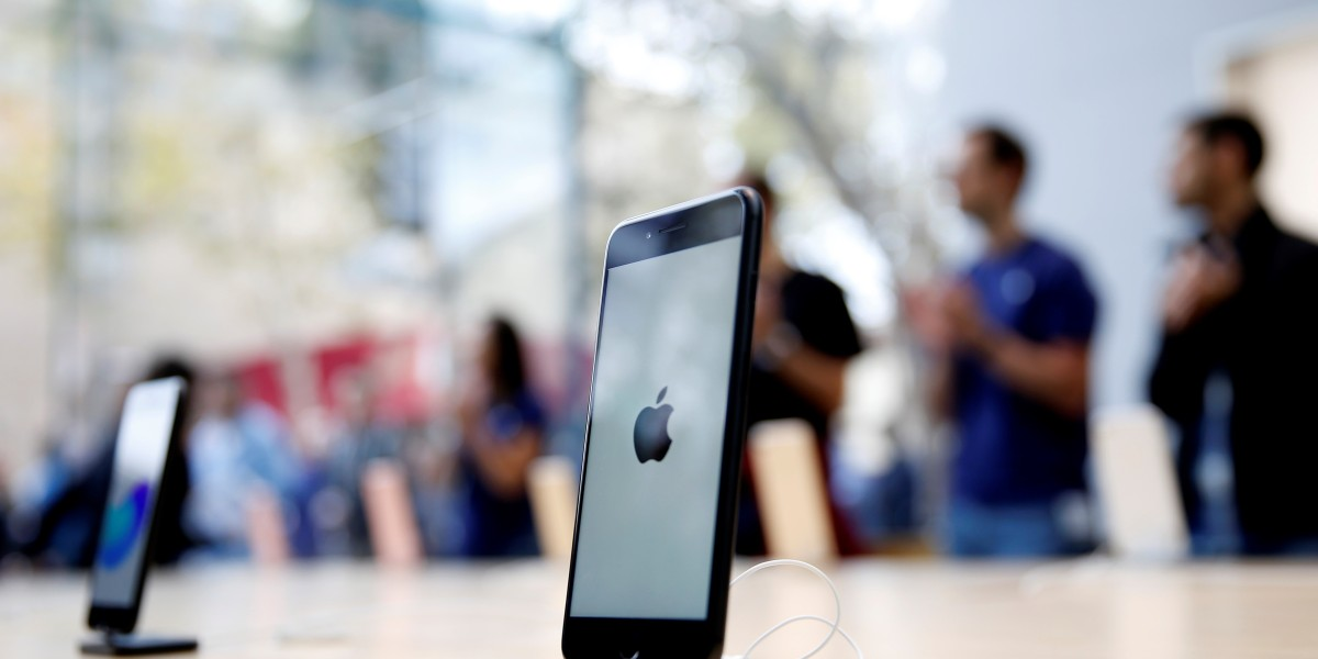 GettyImages 606525722 - Apple pledged $25 to iPhone users over battery problems. Why is it so hard to collect?