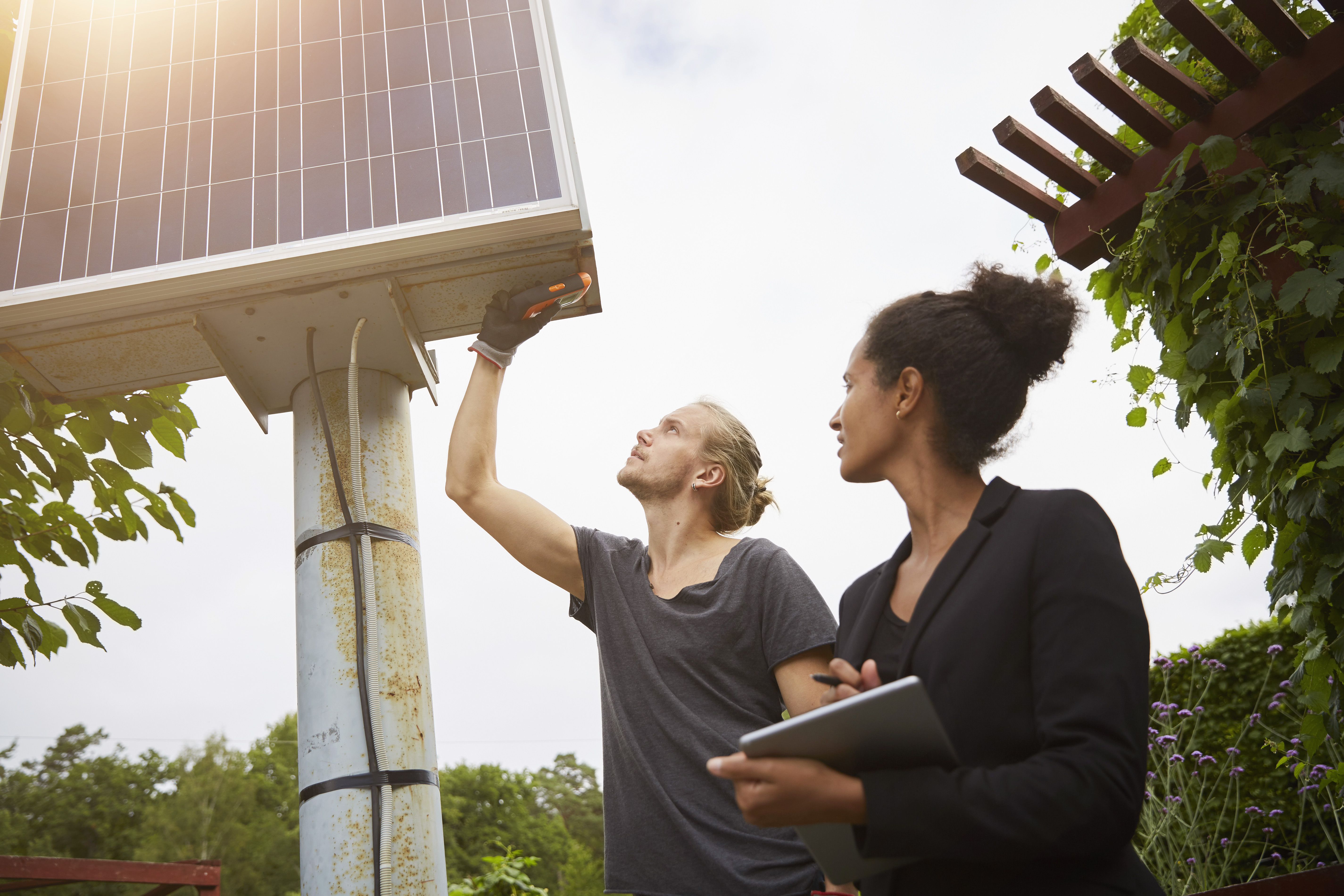 To recharge America's job market, build a green electric grid thumbnail